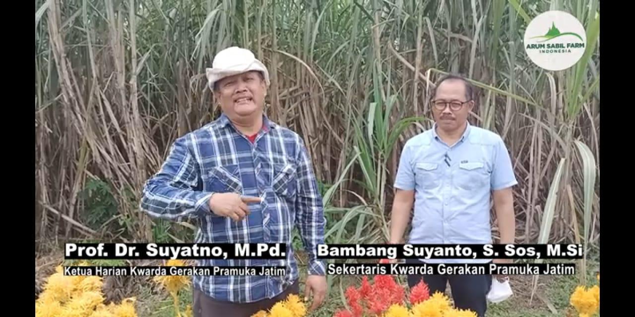 Foto: Prof Dr Suyatno, Wakil Ketua Harian Kwarda Gerakan Pramuka Jawa Timur saat berkunjung ke Padepokan HM Arum Sabil yang ada di Tanggul. (Foto: Istimewa)
