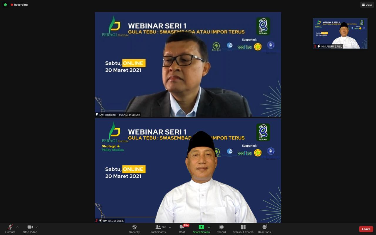 Foto: HM Arum Sabil, Ketua Umum Dewan Pembina Asosiasi Petani Tebu Rakyat Indonesia (APTRI) saat menjadi pembicara dalam webinar terkait impor gula, yang digelar oleh Perhimpunan Agronomi Indonesia (Peragi). (Foto: Istimewa )