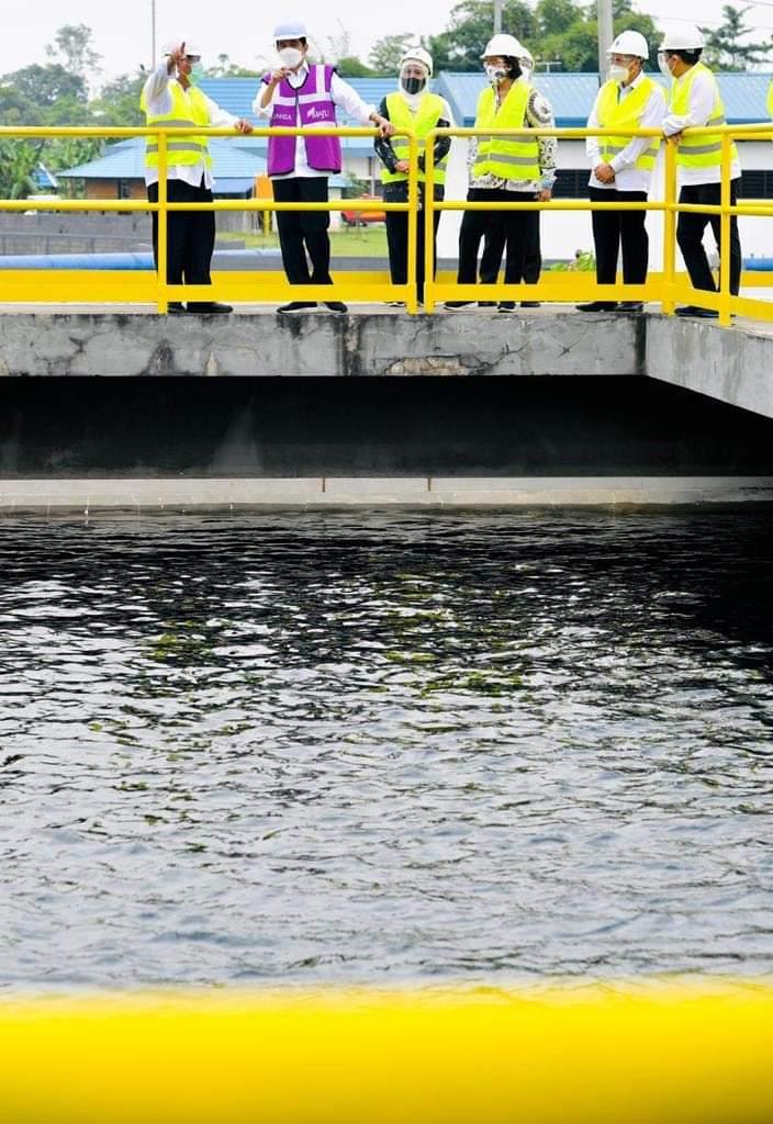 Presiden Jokowi saat meresmikan Sistem Penyediaan Air Minum (SPAM) Umbulan di Pasuruan, Jawa Timur. (Foto: Biro Pers Istana Kepresidenan RI)