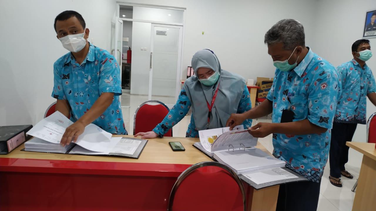 Sertifikasi Cara Pembuatan Obat yang Baik (CPOB) oleh Badan Pengawas Obat dan Makanan (BPOM) kepada UDD PMI Jember. (Humas PMI Jember )