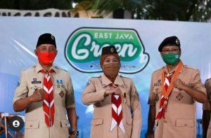 Ketua Kwarda Pramuka Jatim, Kakak Arum bersama Gubernur Jawa Timur, Khofifah Indar Parawansa dan mantan Ketua Kwarda Jatim, Saifullah Yusuf
