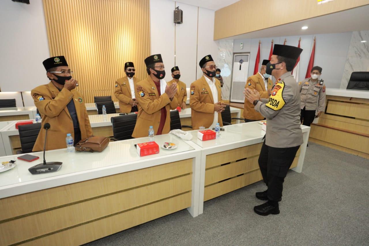 Kapolda Jati, Irjen Pol Nico Afinta saat bersilaturahmi dengan para Da'i Jatim