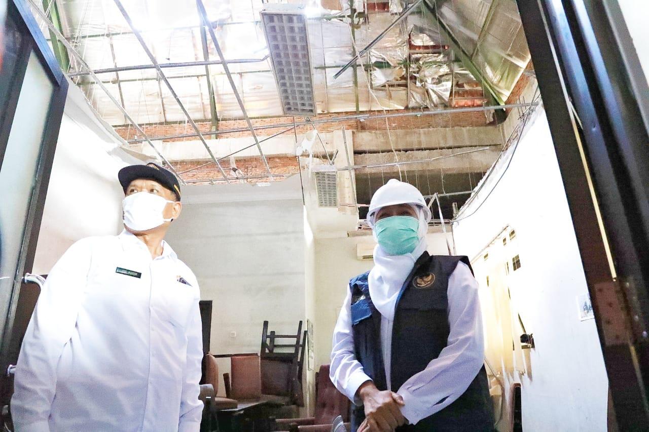 Gubernur Khofifah mengapresiasi para relawan yang bekerja di awal bulan puasa. (Istimewa/ Pemprov Jatim)