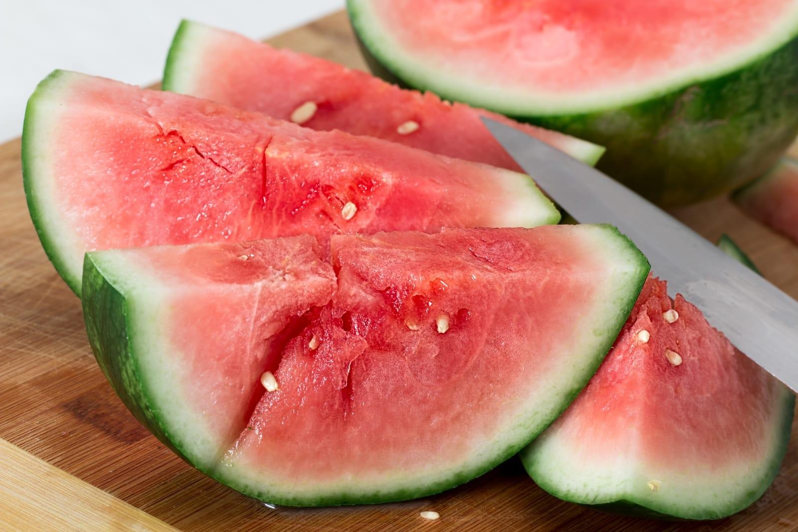 Buah semangka yang kaya akan manfaat. Credit: Pixabay